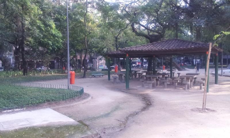 Tendas de jogos e passeios (Foto: Rafael Junqueira / Mundo Pauta)