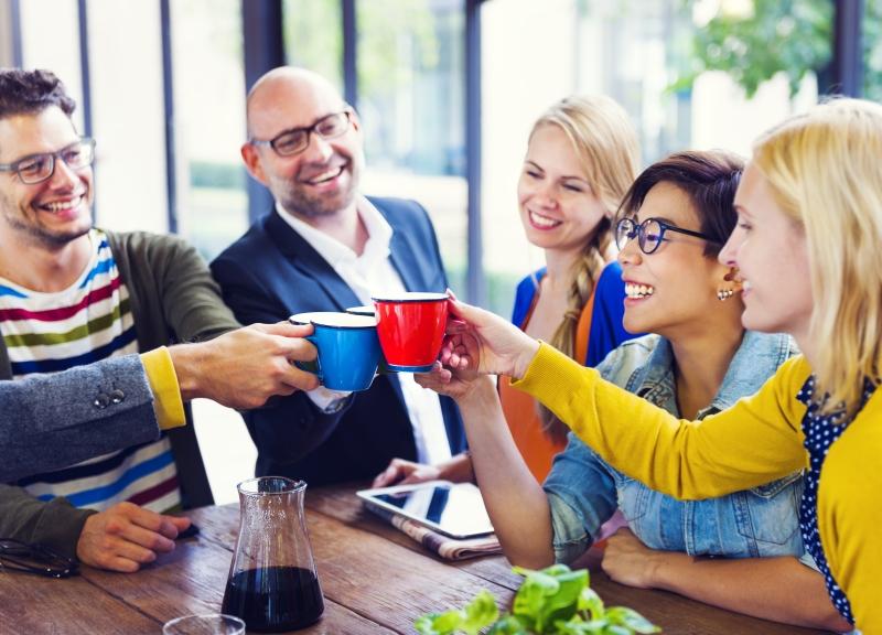 meeting-office-people-cool-happy-friends-cheers_184634228