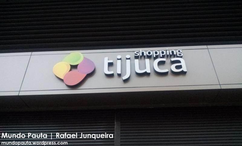 Letreiro do Shopping Tijuca na Avenida Maracanã (Foto: Rafael Junqueira/ Mundo Pauta)